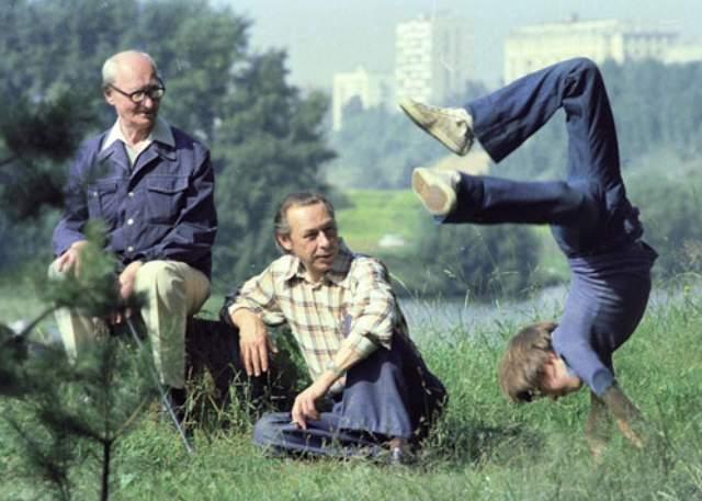 Олег Ефремов с отцом и сыном Михаилом.