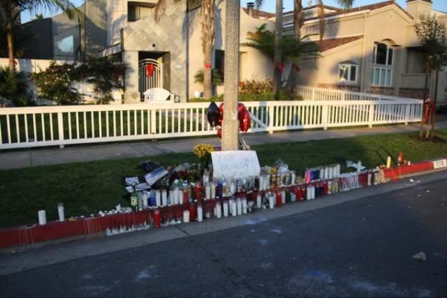 В ночь на 1 ноября была проведена демонстрация в память о Митче Лакере на месте крушения. В ней приняли участие около 400 человек.