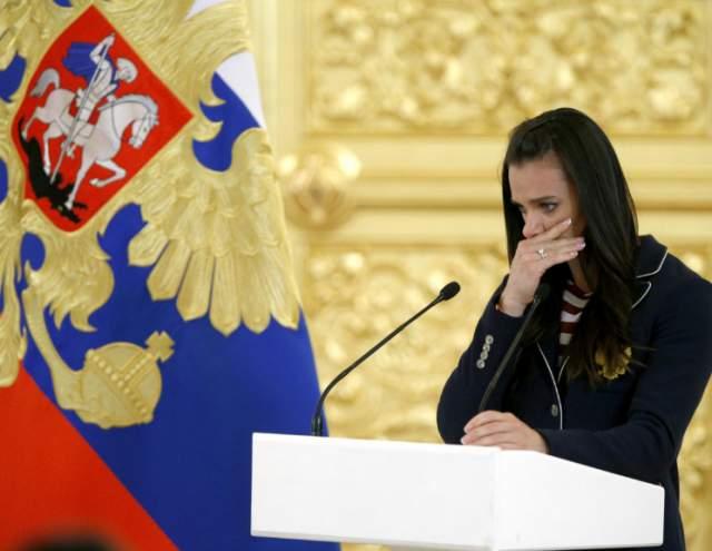 В 2016-м, когда накал политических страстей уже вовсю бушевал вокруг России, она попыталась красиво завершить карьеру, выступив на Олимпиаде в Рио-де-Жанейро, но всех российских атлетов тогда дисквалифицировали за допинг.