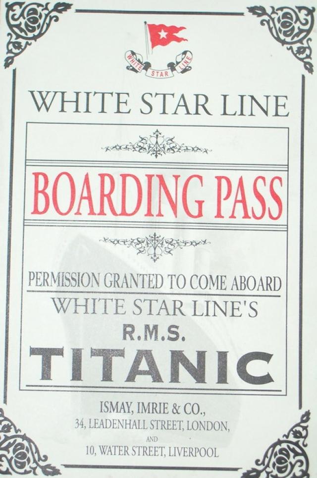 """Максимальная пассажировместимость """"Титаника"""" составляла 2566 человек, но в апреле спрос на трансатлантические рейсы был традиционно низок, поэтому """"Титаник"""" был загружен только наполовину."""