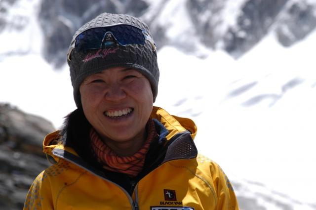 О ен Сун первой из енин покорила восьмитысячники - 14 высочайших скал планеты. Последним в ее списке стал Annapurn (8091 метров, Непал).