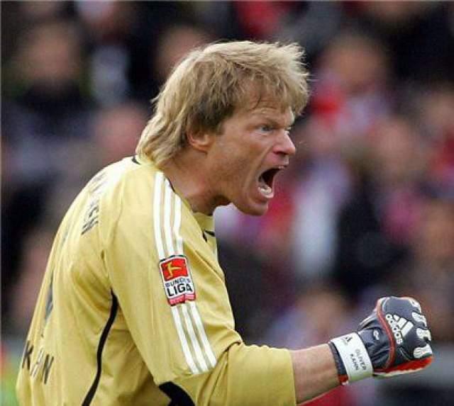 """Главной новостью 2003 года в Германии стали любовные похождения капитана """"Баварии"""" и национальной сборной Оливера Кана ."""