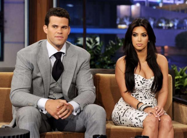 """Брак оказался недолгим и продлился всего 72 дня! Еще больший скандал ожидал Ким, когда стало известно, что все это было лишь спланированной пиар-акцией. """"Наша свадьба была всего лишь пиар-ходом, чтобы повысить рейтинги реалити-шоу Keeping Up With The Kardashians"""", - рассказал Крис в интервью британскому таблоиду The Sun."""