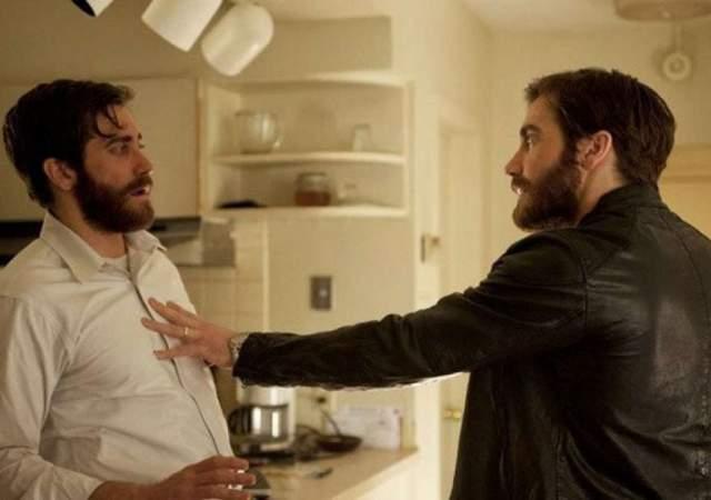 """Джейк Джилленхол, """"Враг"""" (2013). Фильм Дени Вильнёва был достаточно скромным в плане бюджета. В картине задавленный скучной рутиной преподаватель истории Адам обнаруживает, что у него есть двойник, актер Дэниел."""