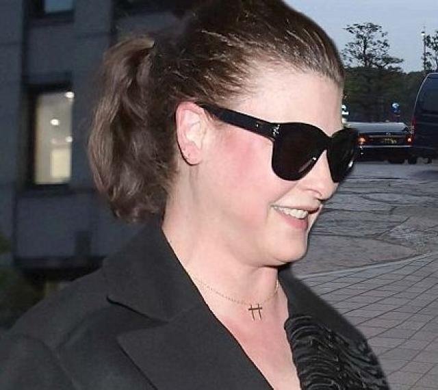 11 октября 2006 года Линда родила сына от французского миллиардера Франсуа-Анри Пино (сейчас он супруг Сальмы Хайек). В последние годы модель утратила былую форму, фото с ее редких появлений в свете буквально шокирует поклонников .