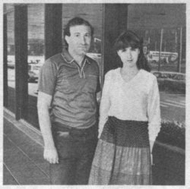 С начала девяностых живет с мужем, гроссмейстером Вадимом Вирным, в Германии. Вместе с мужем играли за один из голландских клубов.