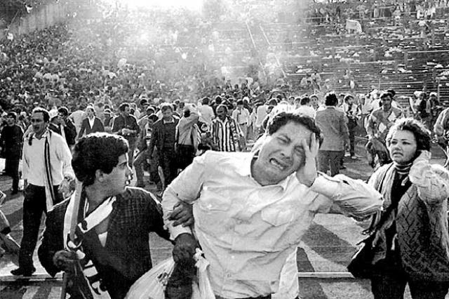 На стадионе Эйзель в столице Бельгии Брюсселе перед финальным матчем Кубка европейских чемпионов между клубами Ливерпуля и Ювентуса английские болельщики напали на итальянских, заставив тех в панике бежать.