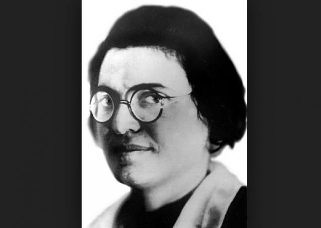 В Берлине Волкова лечилась у психотерапевта Артура Кронфельда, но безуспешно. 31-летняя женщина умирала от туберкулеза в чужом Берлине… В 1933 году Зинаида покончила с собой.