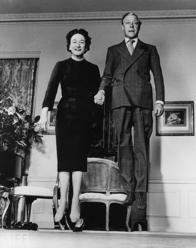 Королевские прыжки (Jumping Royals, Philippe Halsman, 1959). Герцог и герцогиня Виндзор.