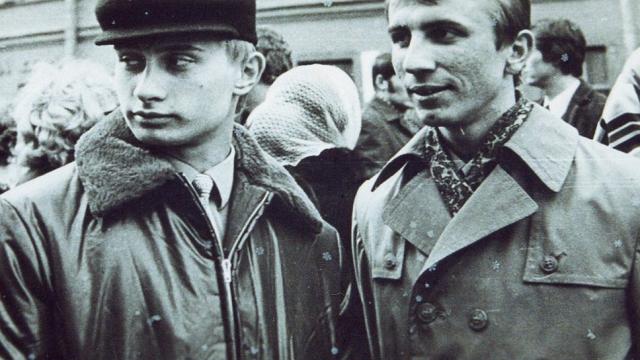 После университета его детская мечта сбылась, его направили в КГБ СССР, он стал агентом и занялся вербовкой новых агентов.