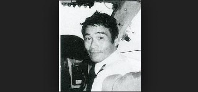 Второй пилот, 39-летний Ютака Сасаки, поработал в авиакомпании Japan Airlines 15 лет, налетал 3963 часа, 2665 из них на Boeing 747.