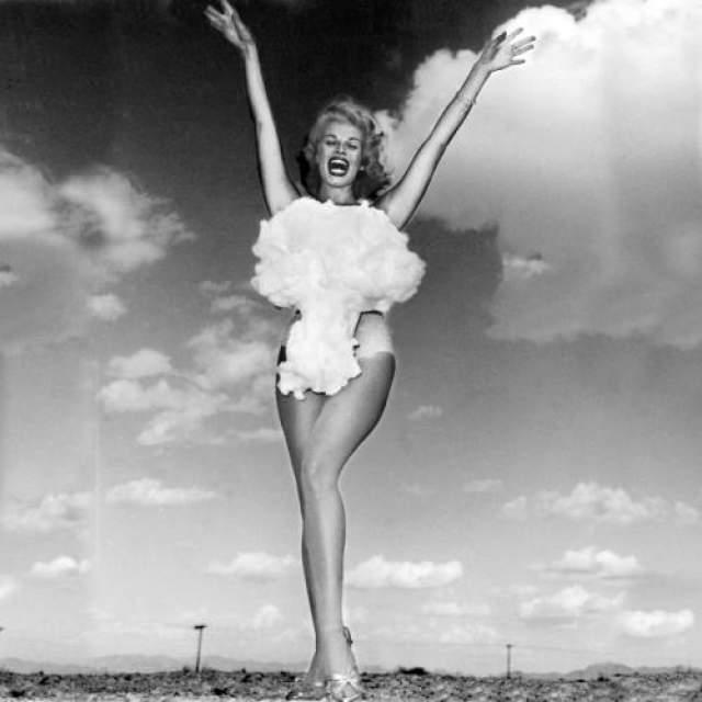 Мисс атомная бомба Этот странный конкурс красоты проводился в 1950 году в штате Невада, США, на полигоне, где испытывалось ядерное оружие.