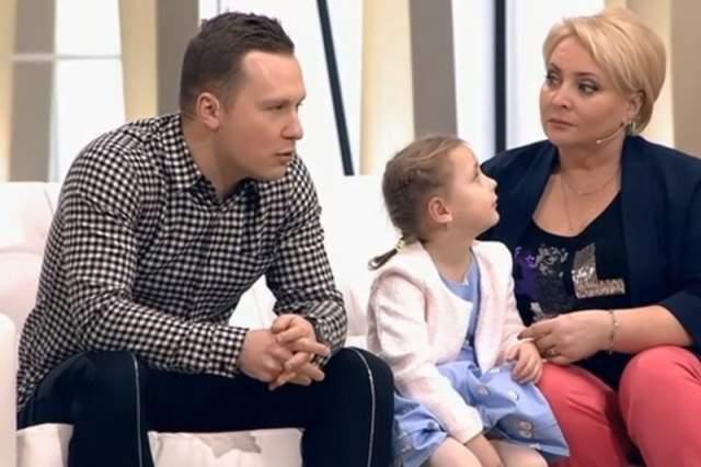 В июле 2012 года родилась у актрисы родилась дочь Варвара, в воспитании которой Скрябин принимает активное участие.