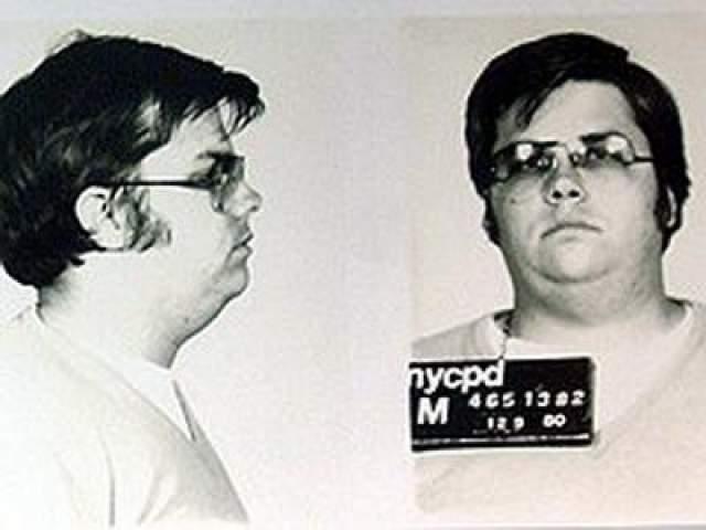 """Когда Чепмена спросили, осознает ли он, что он только что сделал, тот ответил: """"Я всего лишь застрелил Джона Леннона"""". На фото: Марк Чэпмен"""