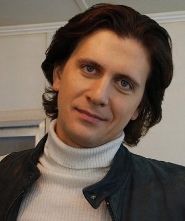 """Алексей Завьялов (36 лет) . Театральный актер и главный герой из сериала """"Ментовские войны""""."""