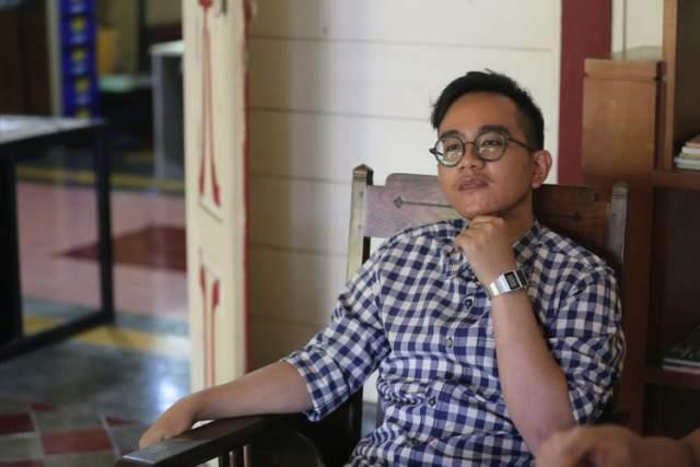 Джоко Видодо. Президент Индонезии с супругой воспитали двоих сыновей и дочь. Джибран Ракабуминг, старший сын, получил диплом Института развития менеджмента в Сингапуре и Австралийского Университета Технологий. Сейчас он занимает пост председателя ассоциации индонезийских предприятий общественного питания.
