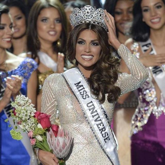 Габриэла Ислер, Венесуэла. «Мисс Вселенная — 2013». 25 лет, рост 181 см, параметры фигуры 90−60−90.