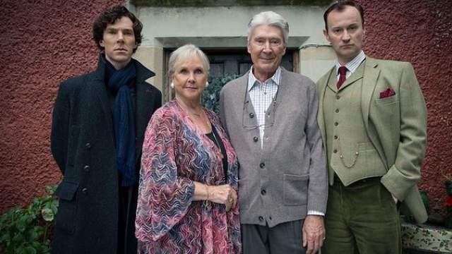 """Тимоти Карлтон и Ванда Вентхам. Родители Бенедикта Камбербэтча - тоже актеры, но они прославились в более узком кругу - на британском ТВ. В третьем сезоне сериала """"Шерлок"""", кстати, они сыграли родителей главного героя. В интервью Бенедикт отмечал, что гордится ими и считает, что они сыграли превосходно."""