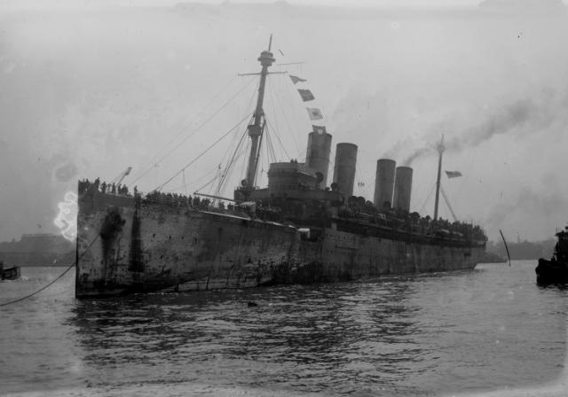 """В свой последний рейс """"Штойбен"""" вышел 9 февраля 1945 года, имея на борту: 1600 раненых (лежачих), 1200 раненых (сидячих)..."""