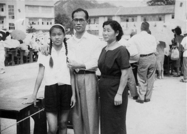 3 августа от своей лучшей подруги Тидзуко Хамамото она узнала о легенде, согласно которой человек, сложивший тысячу бумажных журавликов, может загадать желание, которое обязательно исполнится. Легенда повлияла на Садако, и она, как многие пациенты госпиталя, стала складывать журавликов из любых попадавших в ее руки кусочков бумаги.