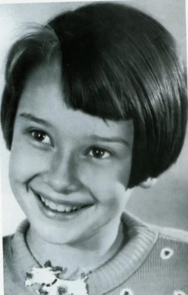 Хепберн посещала частные школы как в Англии, так и в Нидерландах. Ее мать была строгой женщиной, отец был более добродушным, поэтому девочка предпочитала его, но он оставил семью, когда Одри была еще ребенком.