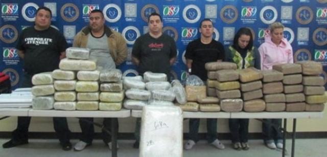 Действия властей вызвали ожесточенное сопротивление наркодельцов: от рук наемников погибло по крайней мере 5 кандидатов в президенты страны.