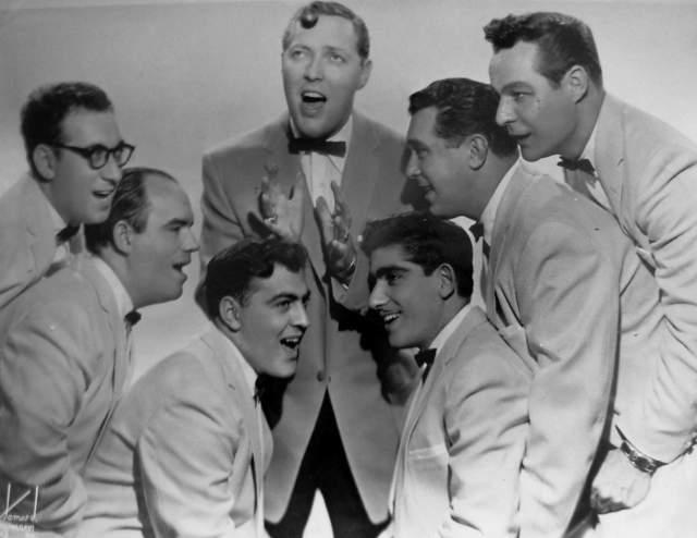 "Bill Haley and His Comets ""Rock Around the Clock"". Символ новой культуры был создан 29-летним Биллом Хейли в 1954-м."