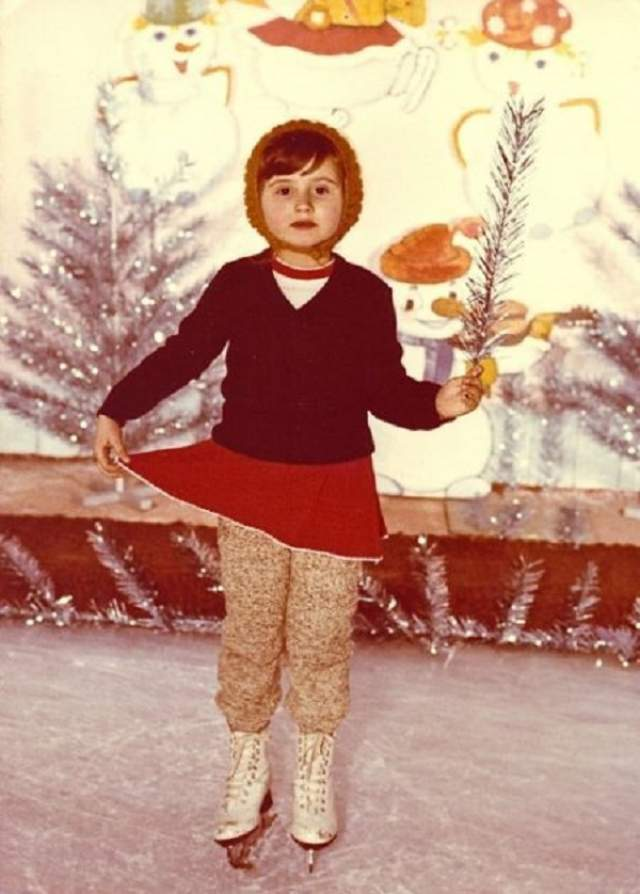 Светлана Лобода на новогоднем катке.
