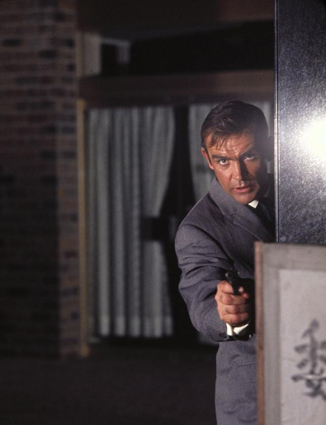 """Пятый фильм Серии """"Живешь только дважды"""" (You only live twice) выходит на экраны в 1967 году - картина стала предпоследней в """"секретной карьере"""" Коннери."""