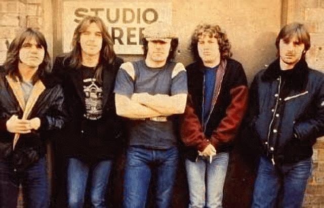 На прослушивании Брайан исполнил с AC/DC две песни, а о своем назначении узнал от Малькольма Янга, который позвонил ему, но не сказал об этом напрямую, а разыграл Джонсона, сказав, что тот только что выиграл на скачках, попросив срочно приехать в Лондон, поскольку им предстоит серьезная работа.