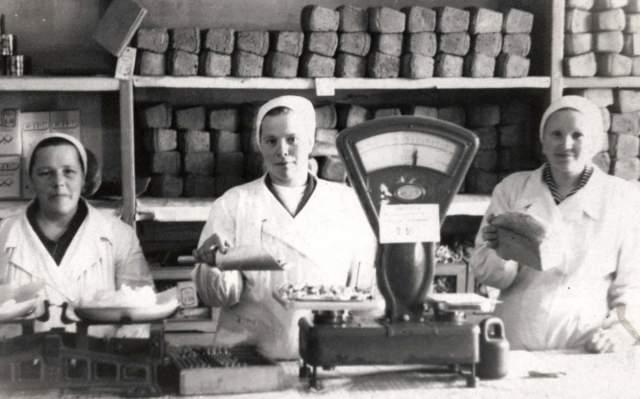 """Магазин в сельской местности, так называемый """"сельпо"""" — такой аббревиатурой называли магазины сельского потребительского общества."""