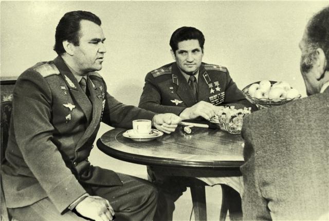 После этого его на несколько лет отстранили от полетов. Но он снова смог добиться допуска. В дальнейшем Волынов, начиная с 1971 года, неоднократно включался в состав экипажей-дублеров.