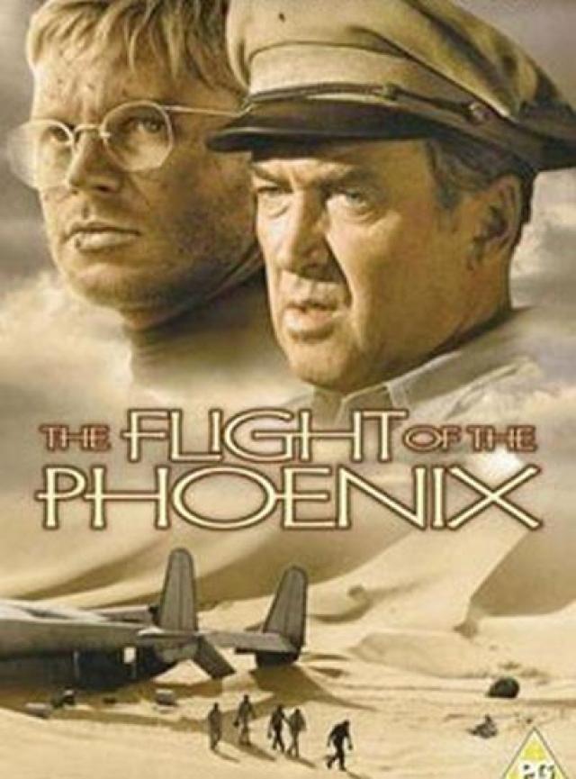 «Полет Феникса» (1965) – смерть каскадера Пола Мантца Героическая картина о людях, разбившихся на самолете посреди пустыни, и нашедших в себе силы построить новый самолет из обломков старого.