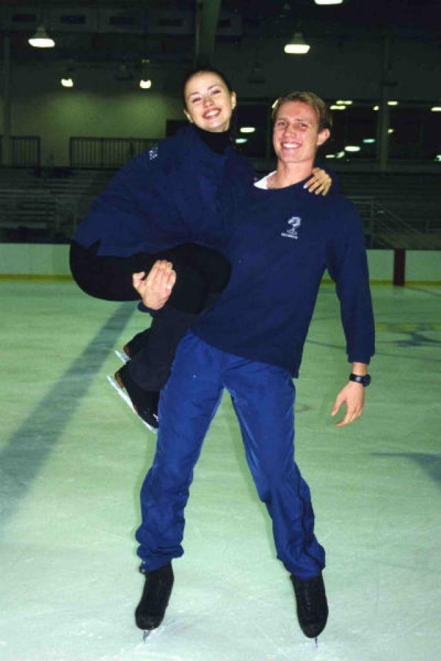 Тренерами Анны были заслуженные тренеры СССР и России Елена Чайковская и Геннадий Карпоносов, а выступала она в парах с Максимом Качановым, Владимиром Федоровым и Романом Костомаровым.