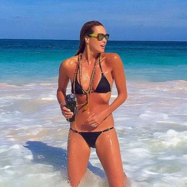 Топ-модель и актриса Эль Макферсон и в 55 может позировать для журналов.
