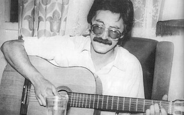 """""""ДДТ"""" - группа основанна летом 1980 года в Уфе. Единственный бессменный участник — Юрий Шевчук."""