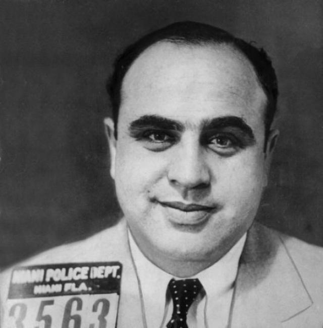 Сумма доказанной неуплаты была настолько мала, что Капоне мог бы выплатить ее сразу же, однако обвинение отклонило его предложение уладить дело вне суда за гигантскую по тем временам сумму в $400,000 и довело дело до конца.