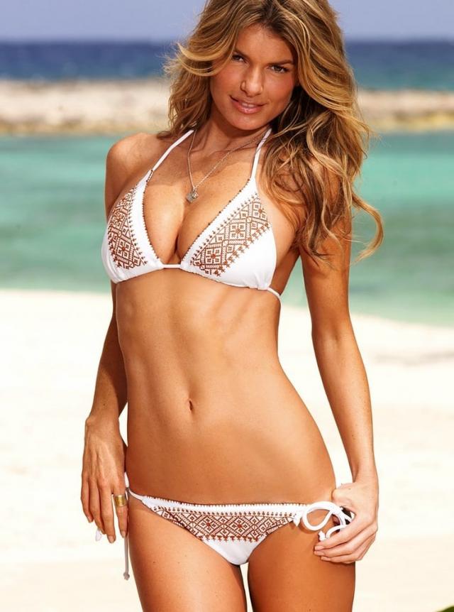 Мариса Миллер 2008 Американская супермодель работает в компании Victoria's Secrets. Девушка не раз появлялась на обложках модных журналов.