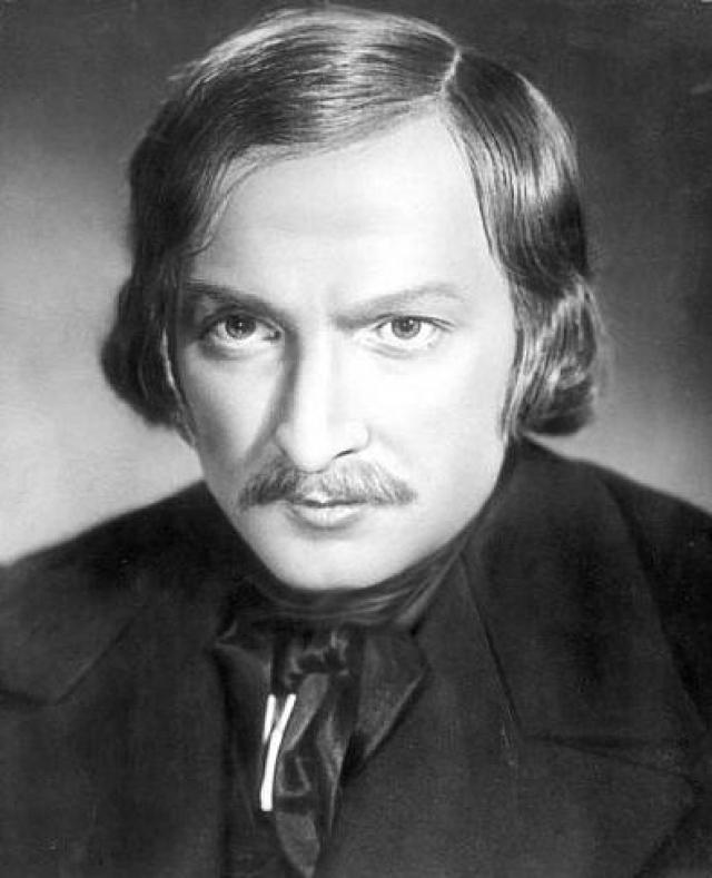 """Вицин был так убедителен, что уже через пару месяцев получил приглашение опять на роль Гоголя - в фильм Григория Александрова """"Композитор Глинка""""."""
