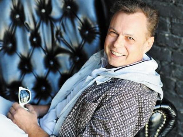 """Исполнитель является генеральным директором Международного Арт-Фестиваля """"Открытое Море"""", появляется в телешоу, а в 2015 выпустил новый альбом."""