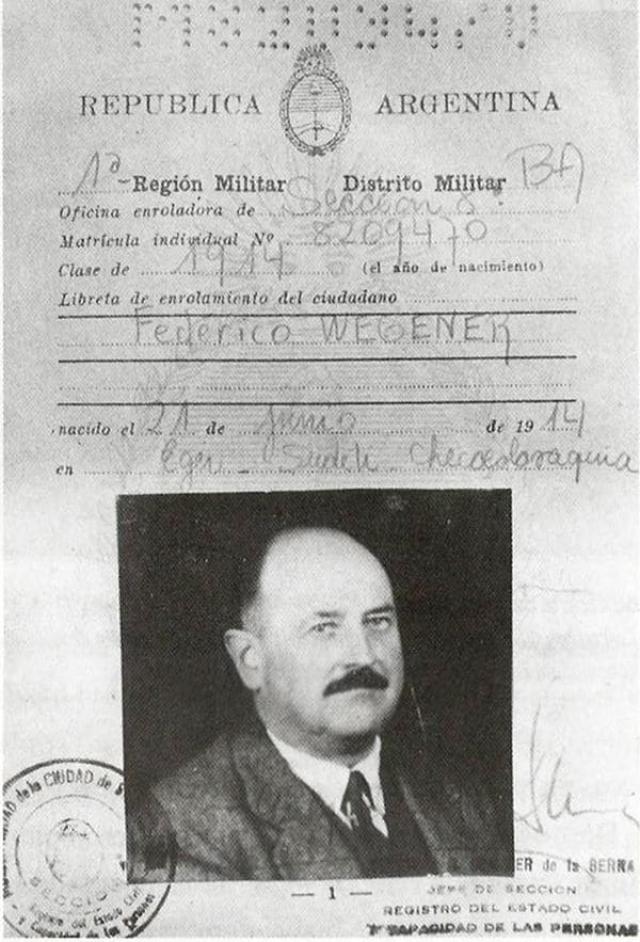 С помощью Красного Креста Рошман получил документы на имя Федерико Вегенера и бежал в Аргентину, где занялся бизнесом, торговал древесиной, а затем в 1968 году получил аргентинское гражданство.