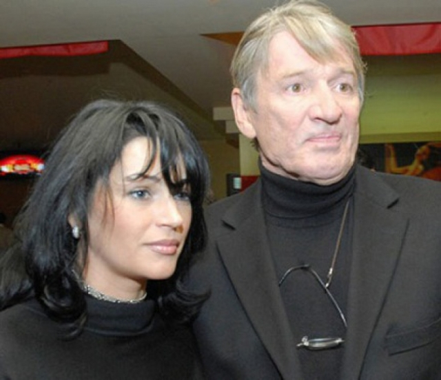 Наследство Александра Абдулова. Знаменитый актер ушел из жизни в возрасте 54 лет 3 января 2008 года, наследство оставленное им оценивалось примерно в пять миллионов долларов.