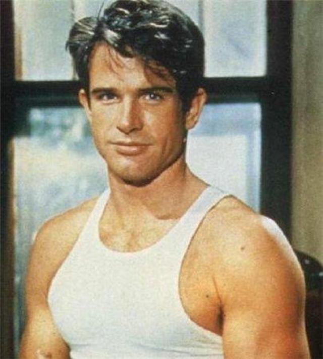 """С фильма """"Великолепие в траве"""" началась карьера Уоррена как актера. Особенно критики оценили его игру в картинах """"Бонни и Клайд"""", """"Маккейб и миссис Миллер"""" и """"Дик Трейси""""."""