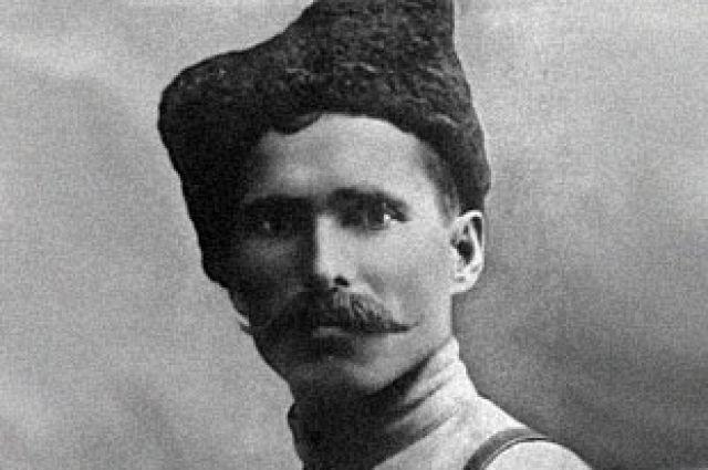Реальный Василий Чапаев родился 28 января 1887 года в деревне Будайка Чебоксарского уезда Казанской губернии в русской крестьянской семье. Осенью 1908 года Василий был призван на службу в армию и направлен в Киев.