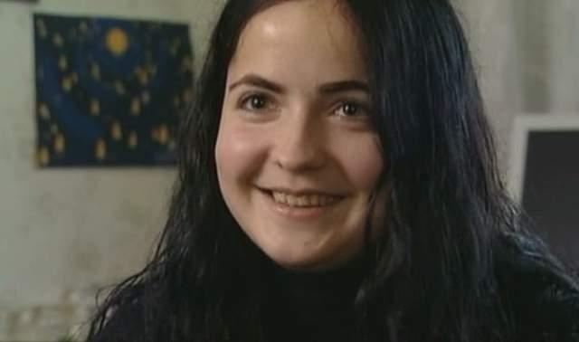 К 21 году она уже успела проучиться в университете на психологическом факультете, но бросила учебу, не сумев найти в себе желание и дальше идти по этой стезе. Рассказывала Катя и о собственных психологических проблемах. В 28 лет (2012 год) Катя все еще живет с мамой, занимается изучением английской филологии и работает телефонным оператором.