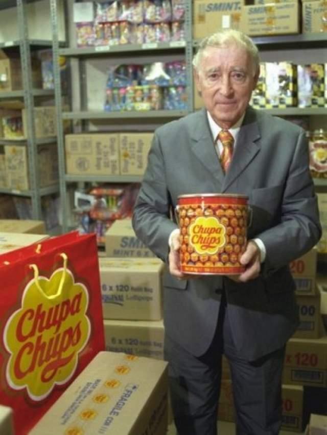 УТП (Уникальное Торговое Предложение) продукта являлось то, что его можно было сосать, не пачкая одежду и руки. В это же время появился первый слоган Chupa Chups — «It's round and long-lasting» (~Он круглый и долгий).