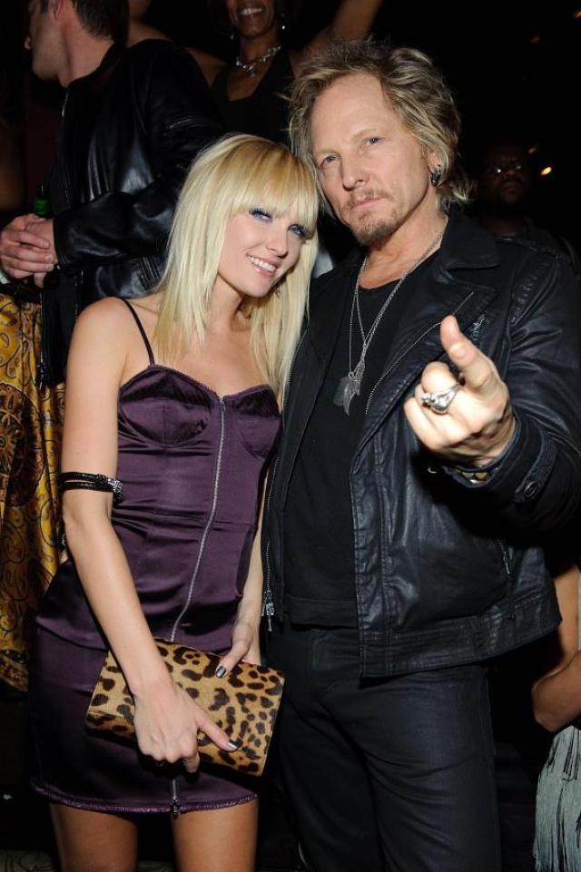 """Адриан """"Эйс"""" Харпер. Модель - жена еще одного участника Guns N' Roses - барабанщика Мэтта Сорума."""