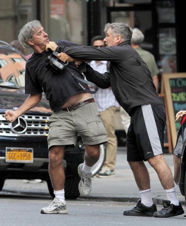 """Фотограф же уверял полицейских, что просто выполнял свою работу, не более, а актер """"взорвался"""". Впрочем, потерпевший не в претензии."""