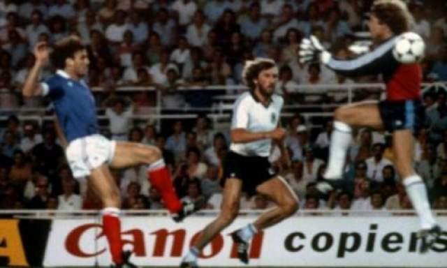 Столкновение Баттистон - Шумахер на ЧМ-1986 Самым известным эпизодом карьеры Баттистона стал эпизод, произошедший в полуфинале чемпионата мира 1982 года с ФРГ. На 57-й минуте игры Баттистон получил пас на выход к воротам немцев, защищаемых Тони Шумахером. Голкипер немцев, пытаясь помешать пробить Баттистону, при выходе один на один, намеренно сбил его с ног, с разбегу обрушившись всей массой тела. Баттистон получил тяжелую черепно-мозговую травму, у него были выбиты три зуба и серьезно пострадал позвоночник, некоторое время он находился без сознания.