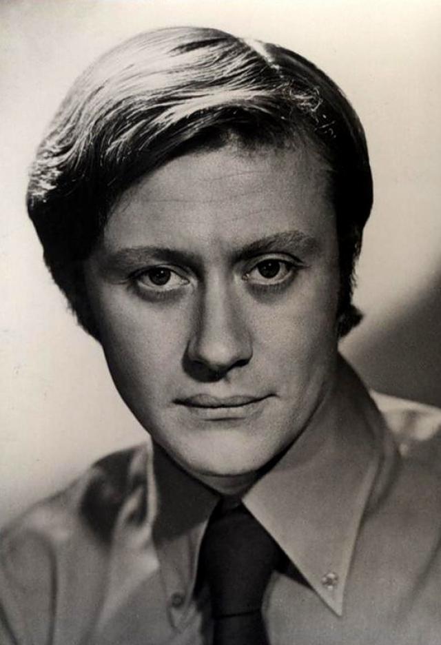 7 марта 1941 родился один из самых выдающихся советских актеров - Андрей Миронов.
